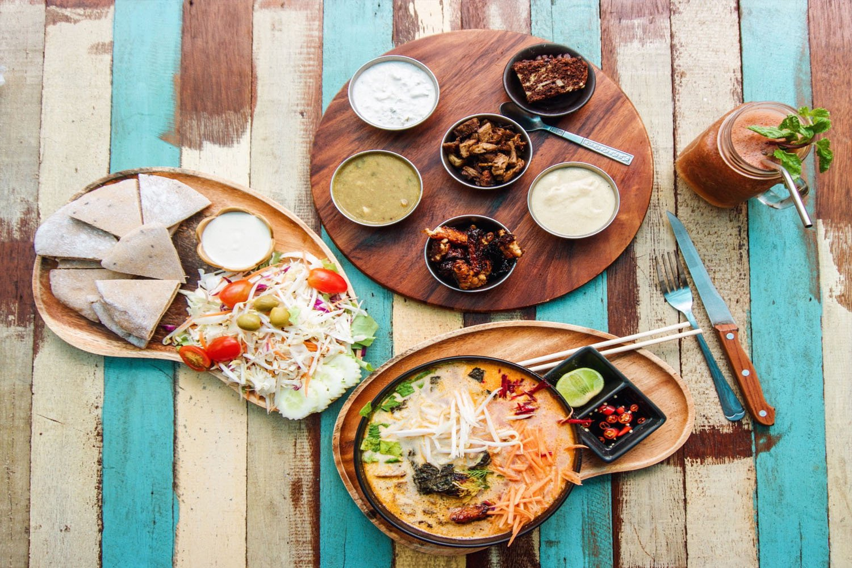 Thưởng thức nhiều món ăn ngon hấp dẫn, đặc sản miền nam Thái Lan