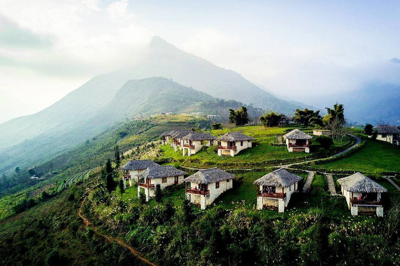 Topas Ecolodge Resort nằm biệt lập trên một ngọn đồi xinh đẹp thuộc công viên quốc gia Hoàng Liên