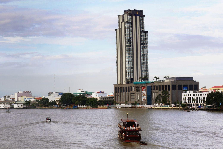 Vinpearl Cần Thơ tọa lạc tại vị trí thuận tiện ngay trung tâm thành phố