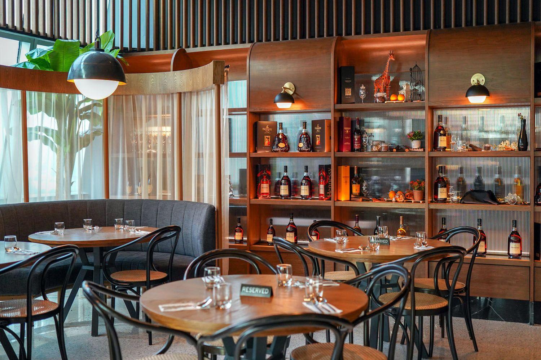 Restoran Platinum(Khu phố Bạch Kim Restoran)