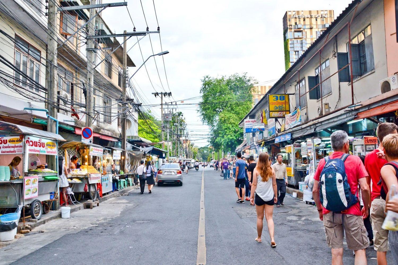 Quán Mì dạo ở Sukhumvit Soi 38
