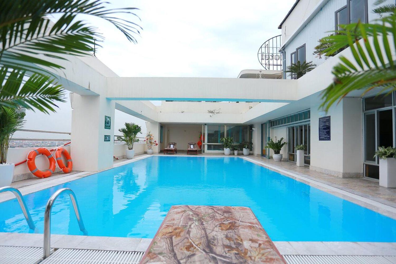 Bể bơi Khách sạn Nam Cường Hải Phòng