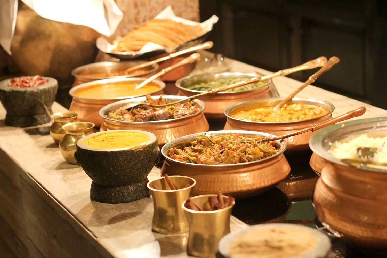 Khám phá thiên đường ẩm thực nổi tiếng ở khu Tiểu Ấn