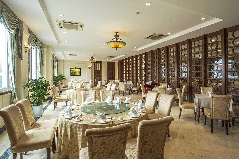 Nhà hàng tại Khách Sạn Pearl River