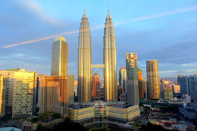 Toà tháp đôi cao nhất thế giới