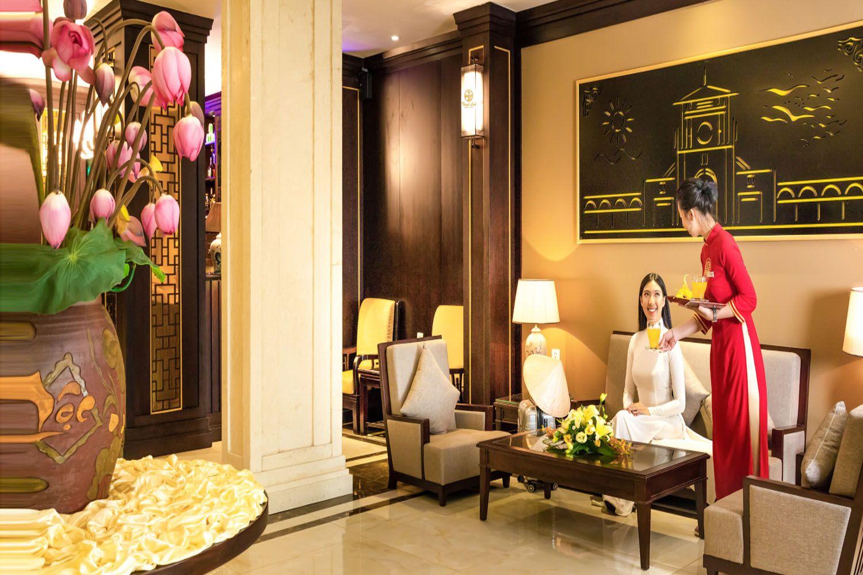 Thanh Lich Royal Boutique Hotel là một khách sạn mang cung cách Hoàng gia nổi tiếng ở Huế