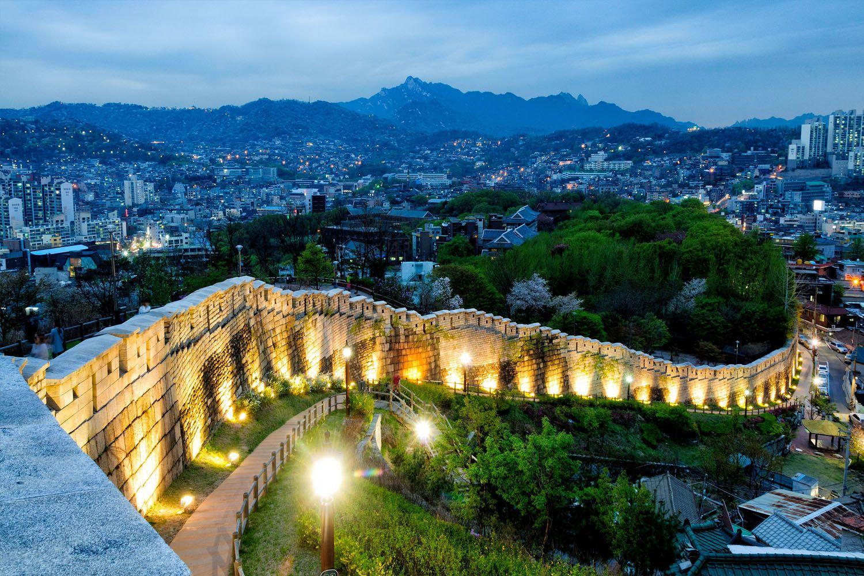 Bức tường pháo đài Seoul Seonggwak
