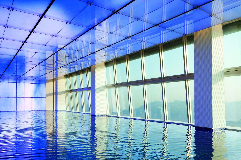 Hồ bơi ở khách sạn quốc tế Hồng Kông