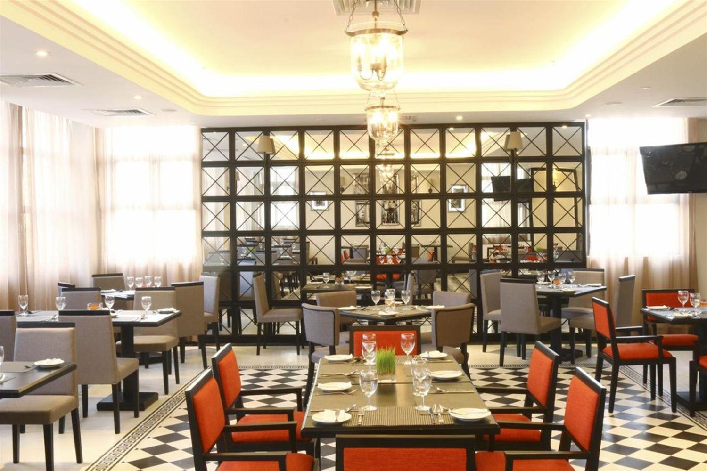 Nhà hàng ở Sanouva Danang Hotel