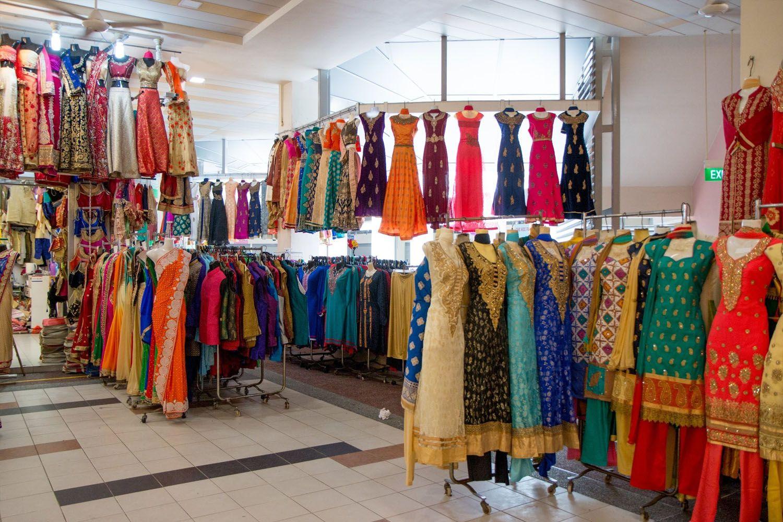Khám phá các cửa hàng dệt may và cửa hàng đồ trang sức