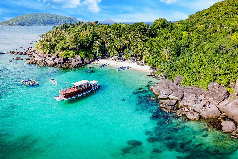 Di chuyển bằng tàu thủy ở đảo Nam Du