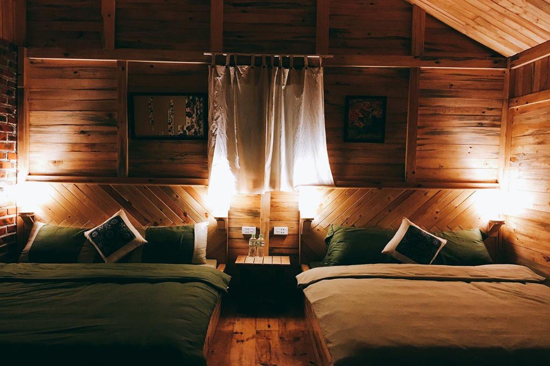 Bên trong phòng ngủ tại The November