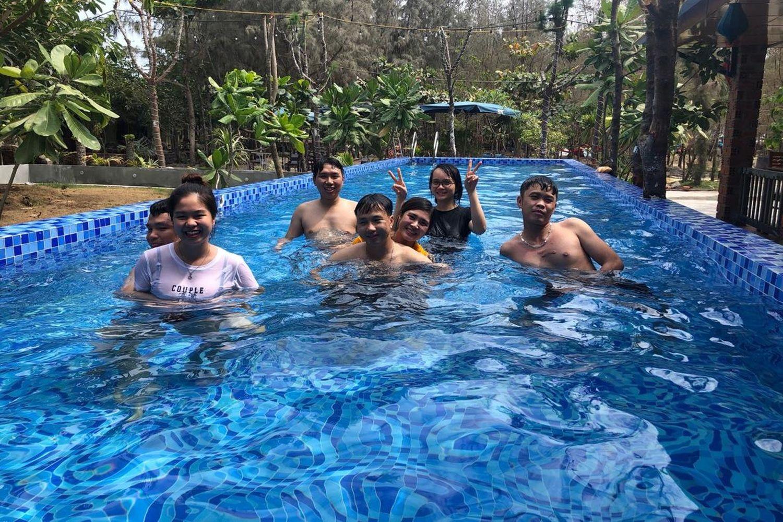 Hồ bơi tại Hoàng Sa Resort