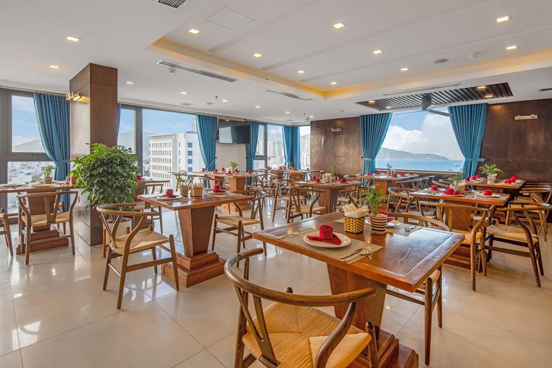 Nhà hàng của khách sạn & Căn hộ White Sand