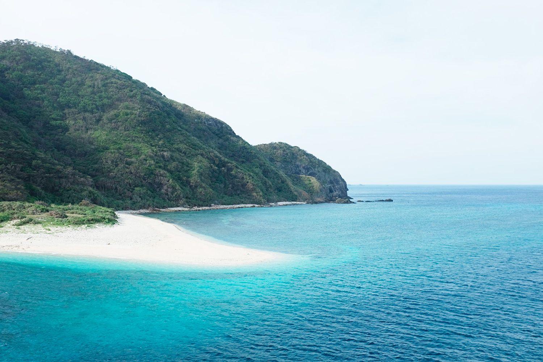 Bãi biển Nishibama thuộc đảo Aka