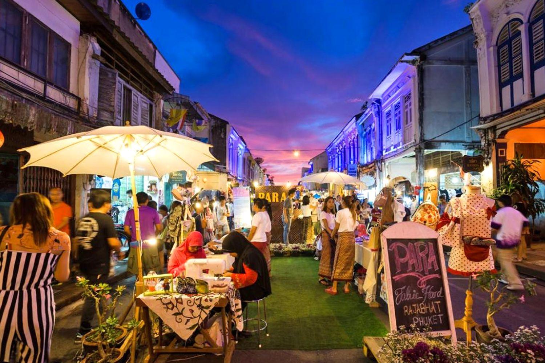 Khu chợ đêm cuối tuần ở Phuket