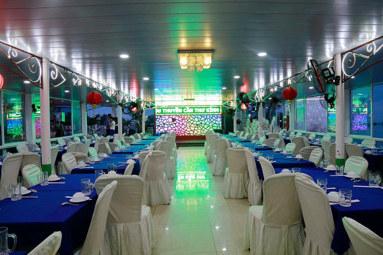 Nhà hàng trên du thuyền Cần Thơ