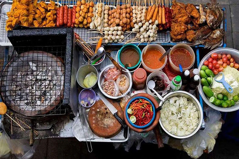 Thưởng thức ẩm thực đường phố Bangkok