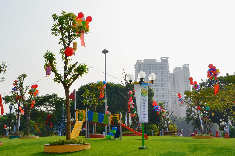 Khuôn viên Công viên Nghĩa Đô