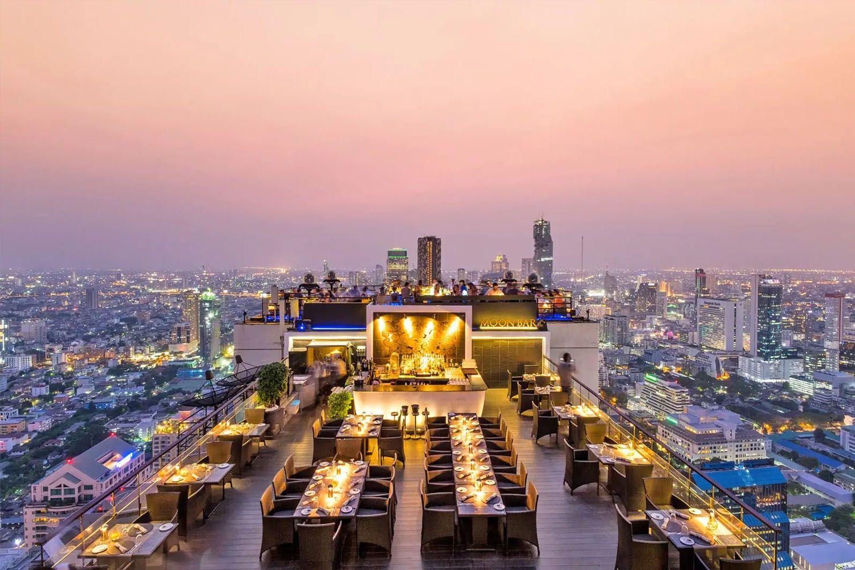 Thưởng thức đồ uống ở nơi có view đẹp nhất thành phố