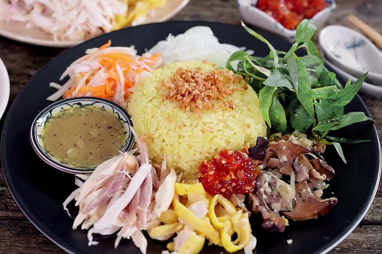 Cơm gà Hội An cầu kỳ từ khâu chọn nguyên liệu, chế biến cho đến thưởng thức