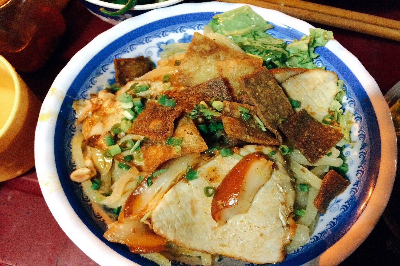 Cao lầu là một món ăn có xuất xứ từ Hội An