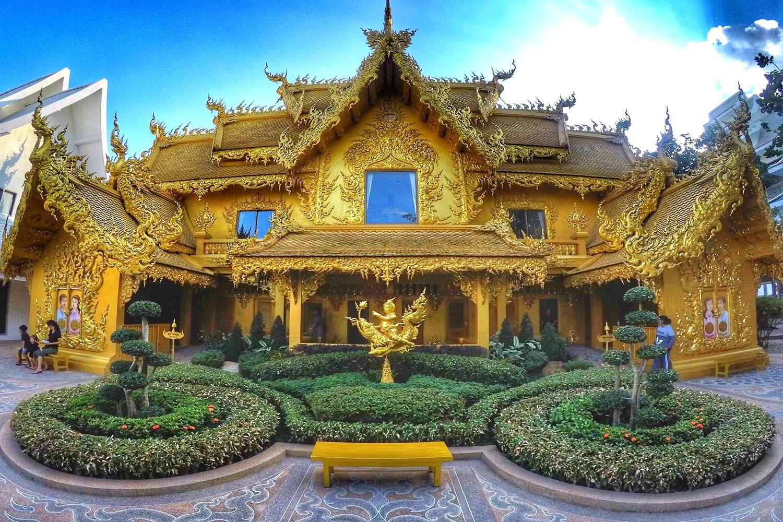 Khu tòa điện vàng