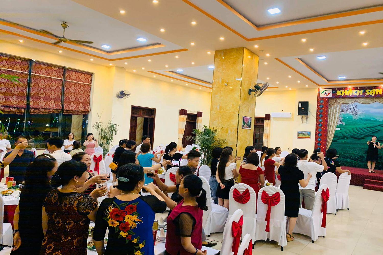 Tổ chức tiệc tại  khách sạn Sao Xanh Mộc Châu