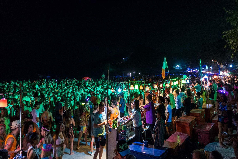 Bữa tiệc trăng tròn The Full Moon Party