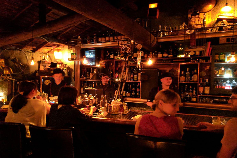 Thưởng rượu tại quán bar đỉnh nhất Kyoto