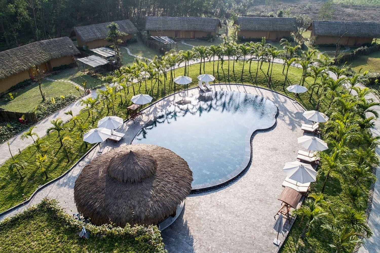 Alba Wellness Resort là một khu biệt lập bao quanh bởi núi rừng, tiếng suối chảy róc rách