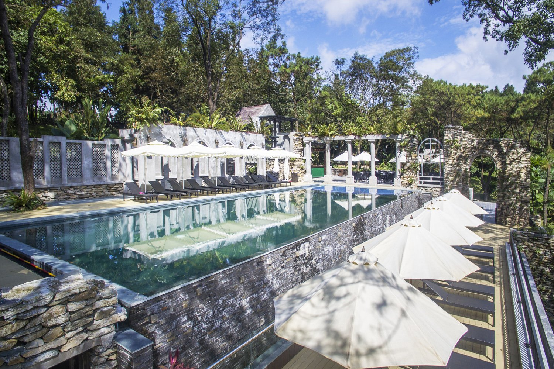 Bể bơi ở Melia Ba Vì