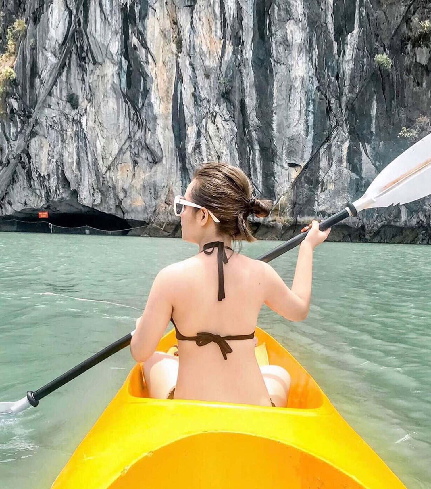 Chèo thuyền tại Vịnh Lan Hạ