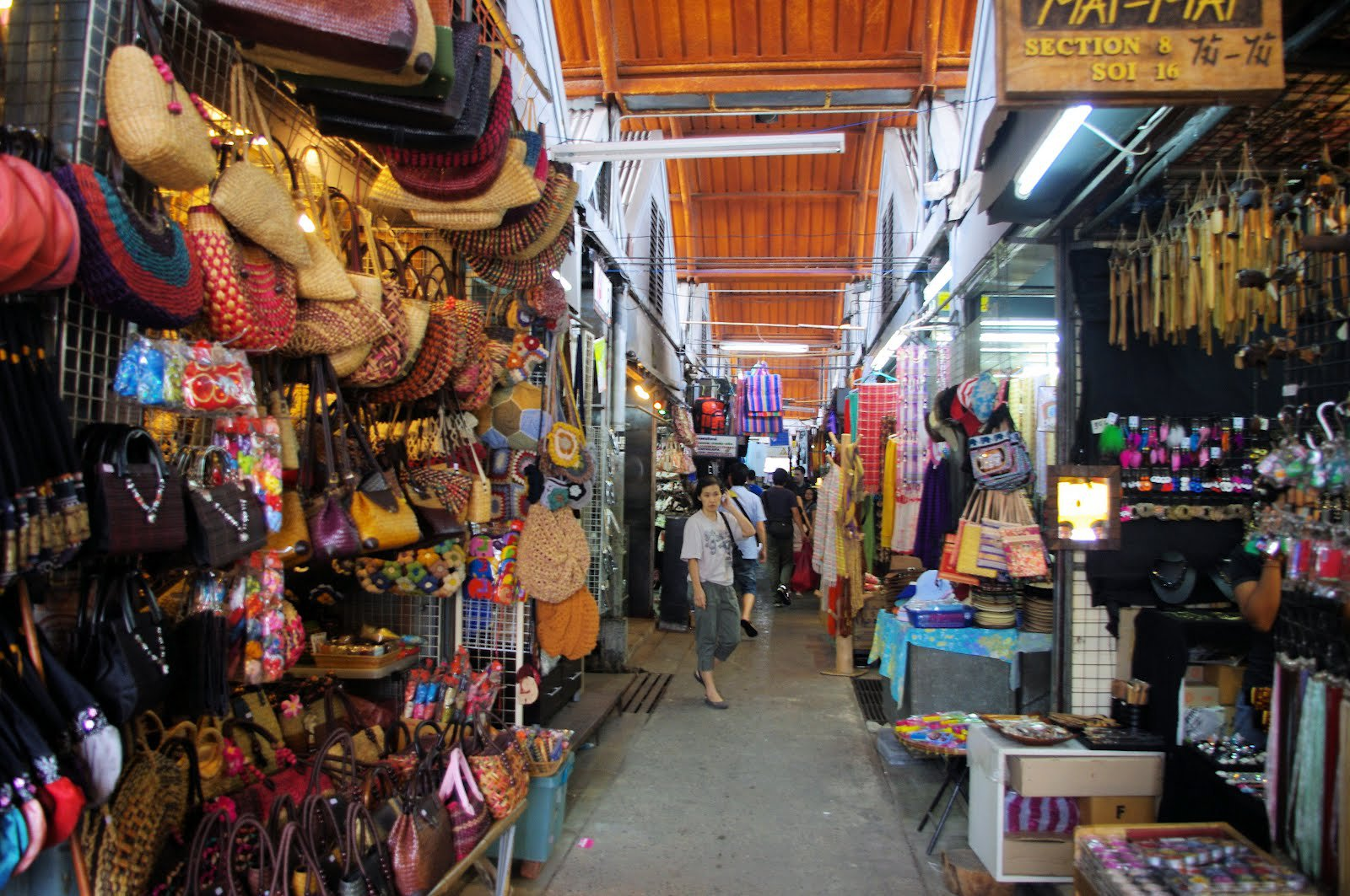 Mua sắm tại chợ Chatuchak