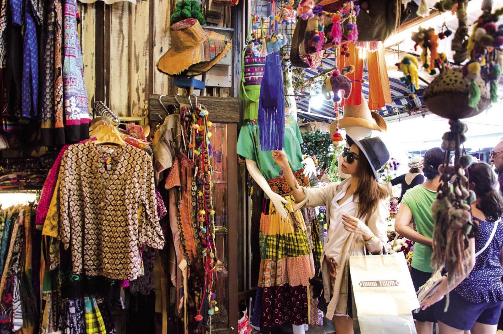 Mua gì ở chợ Chatuchak?