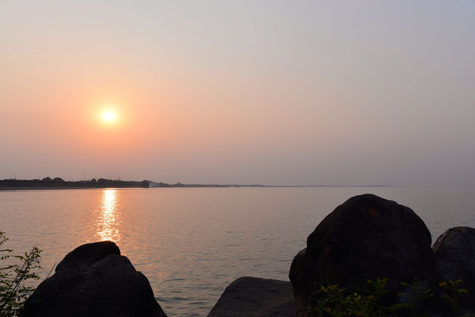 Hoàng hôn Hồ Dầu Tiếng