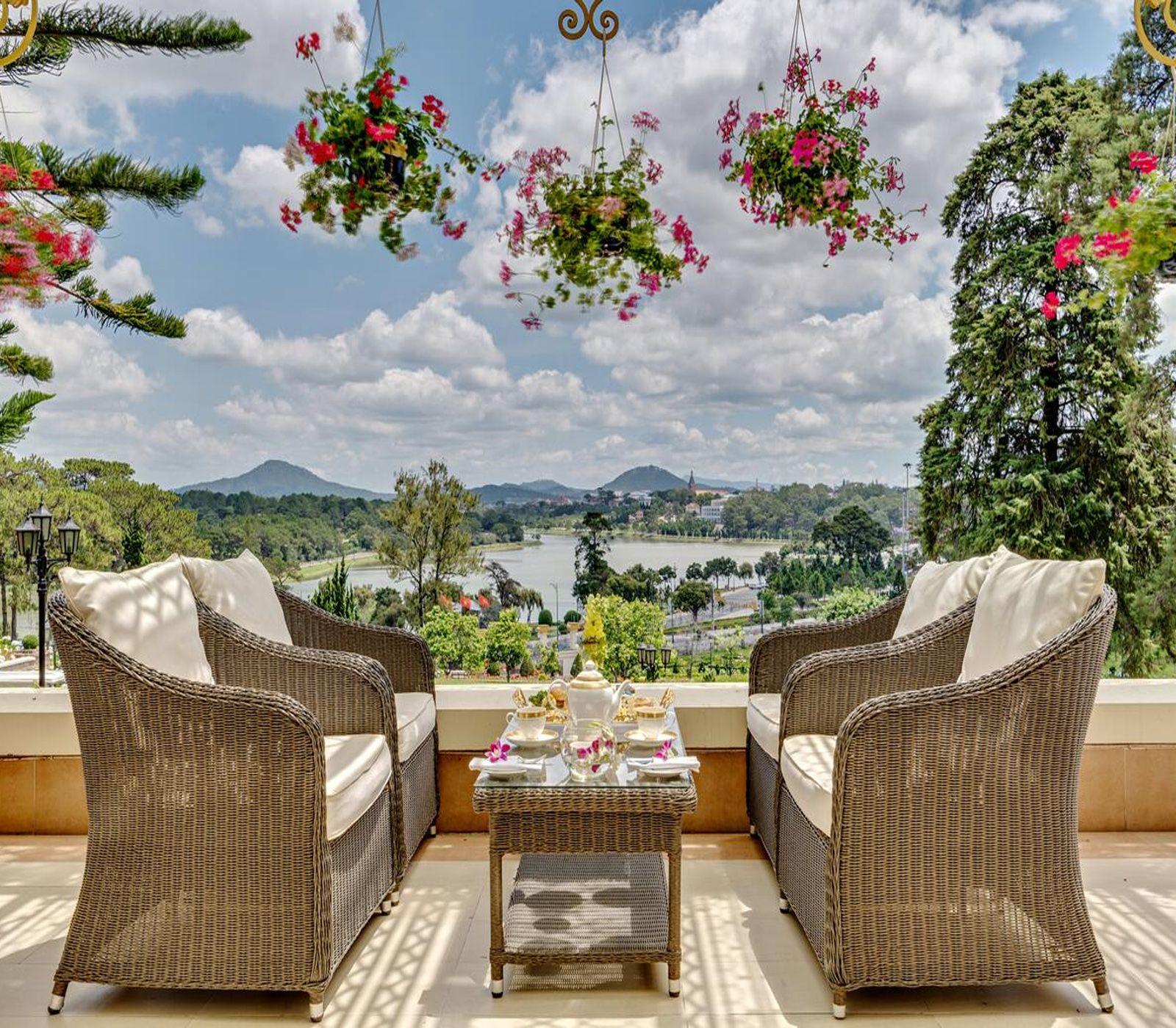 View đẹp nhìn từ khách sạn Dalat Place
