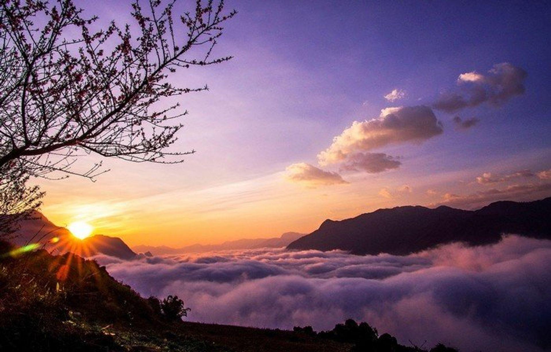 Biển mây ở Khau Phạ thu hút phượt thủ khắp nơi đến Mù Cang Chải