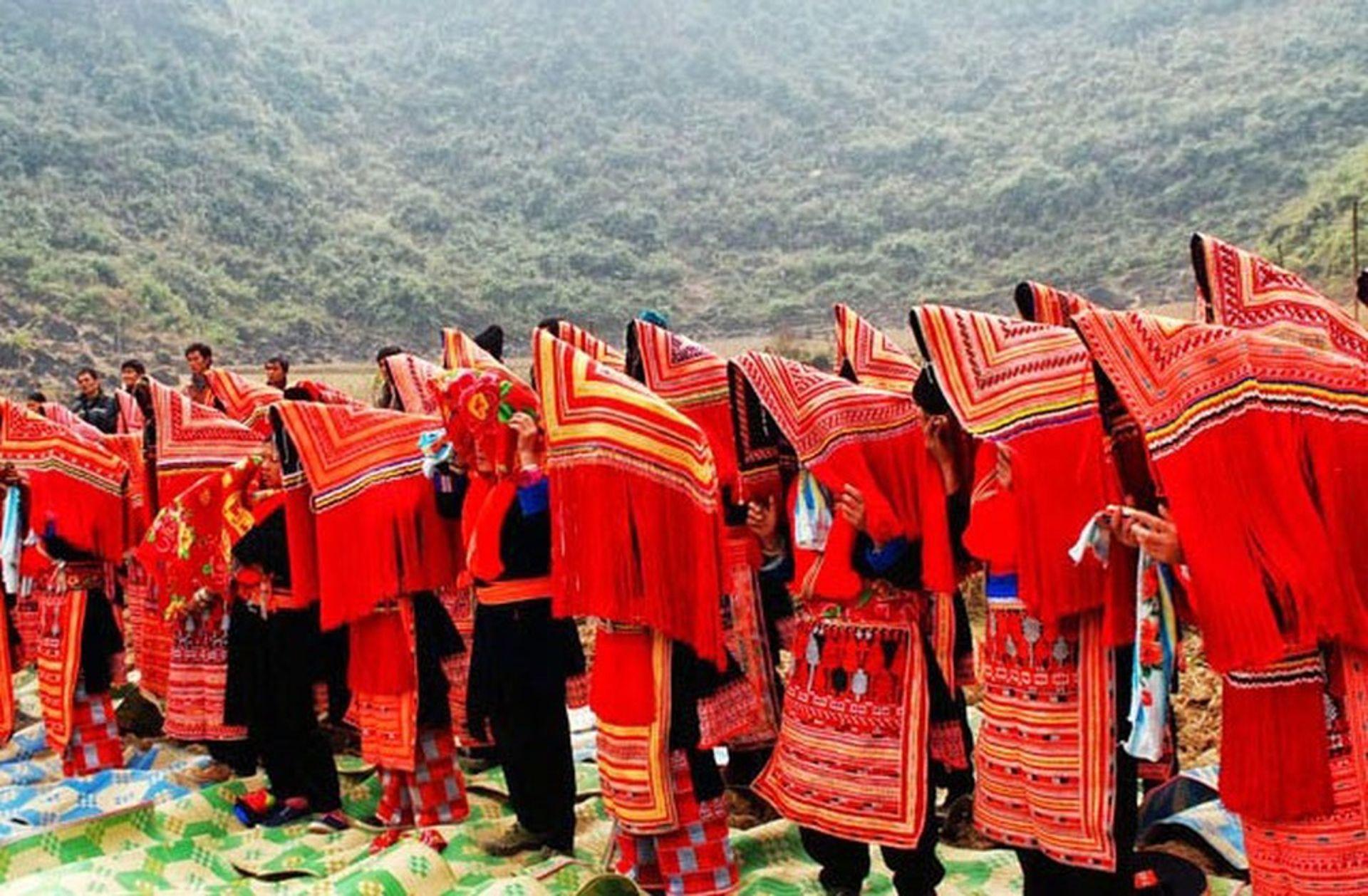 Lễ hội trùm chăn của người Hà Nhì