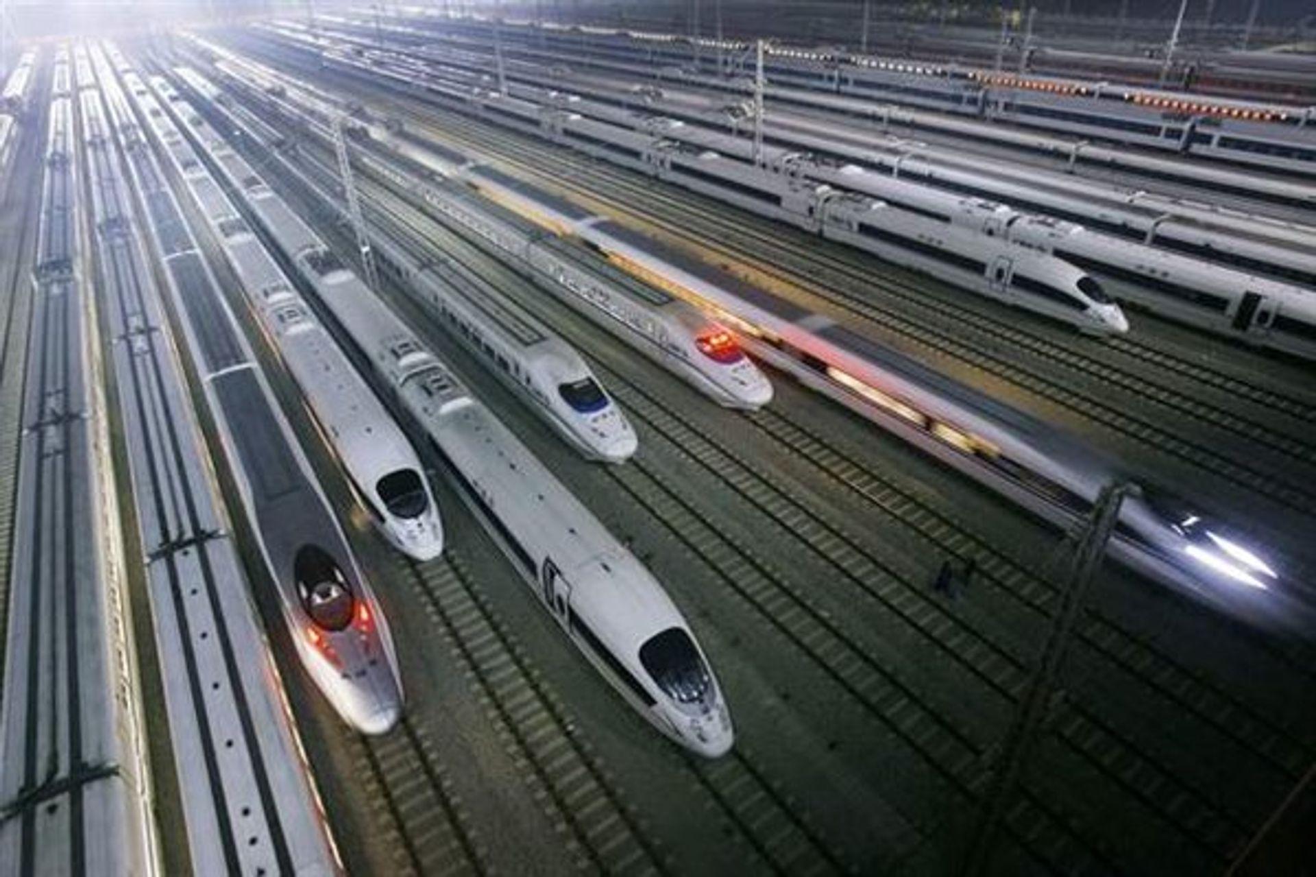 Tàu điện ngầm di chuyển nhanh tiết kiệm được rất nhiều thời gian