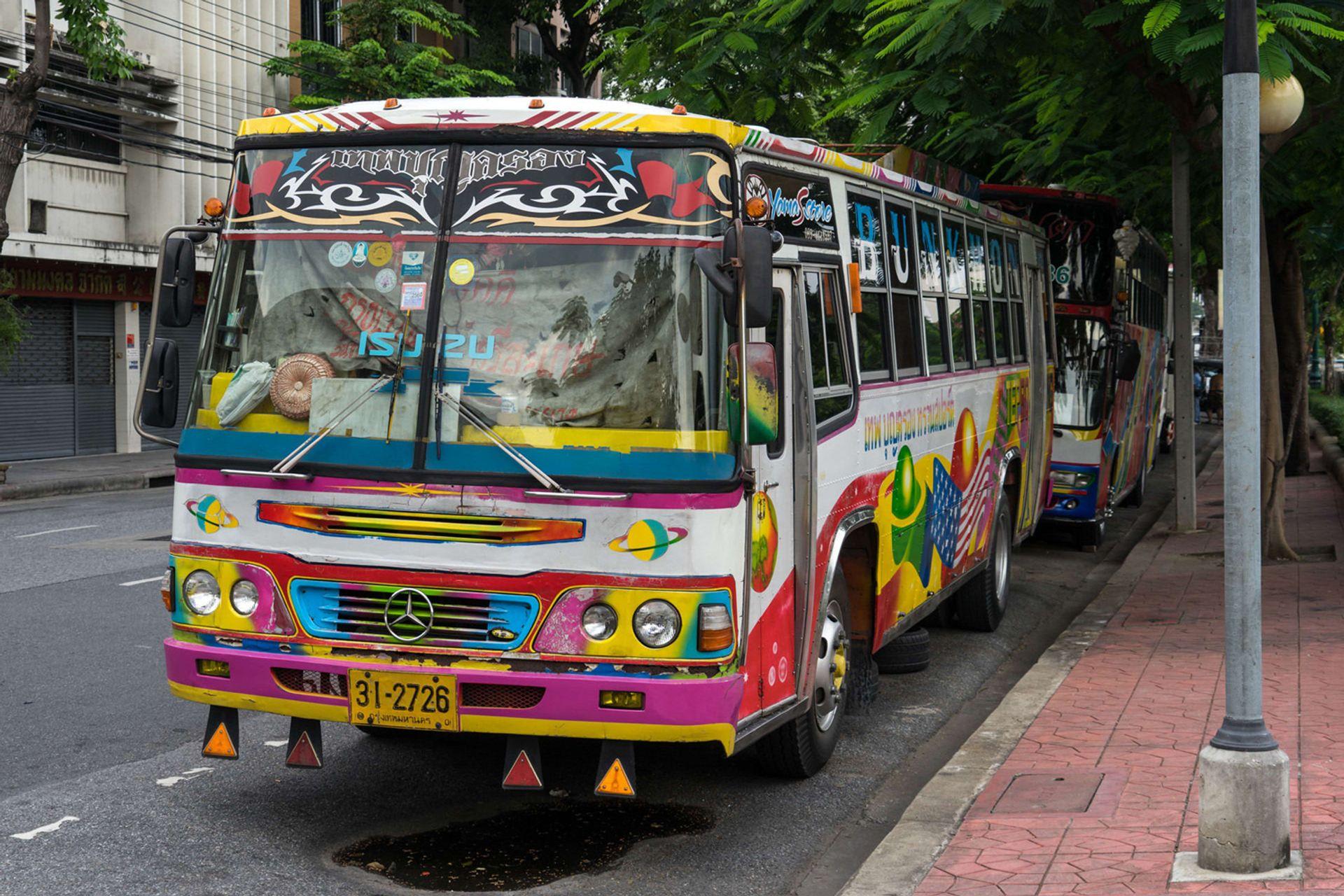 Xe bus Thái Lan