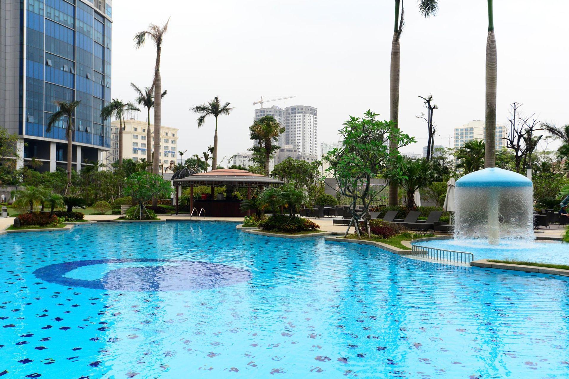 Bể bơi Keangnam - Garden Pool