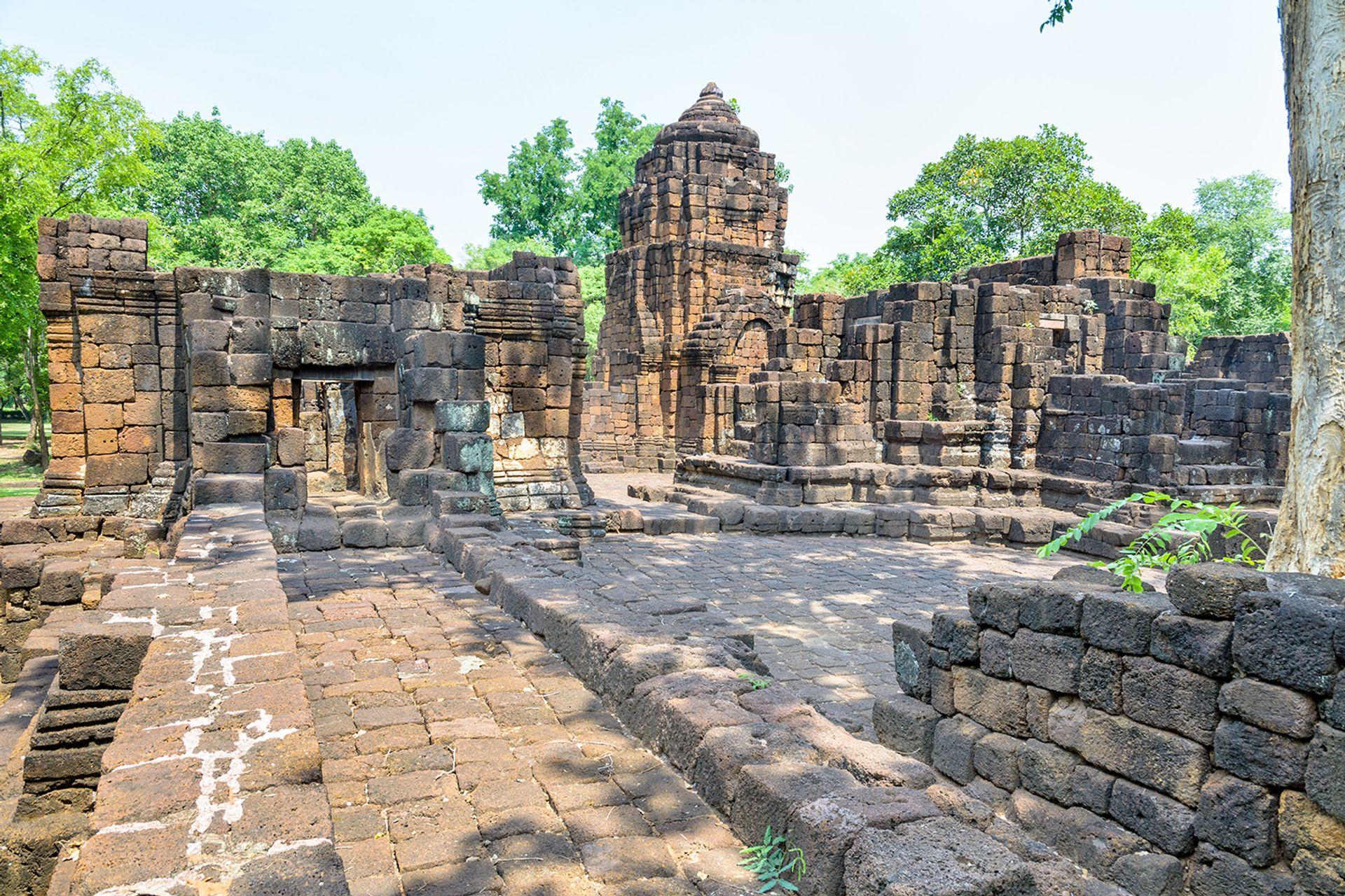 Ngôi đền lịch sử Prasat Muang Singh