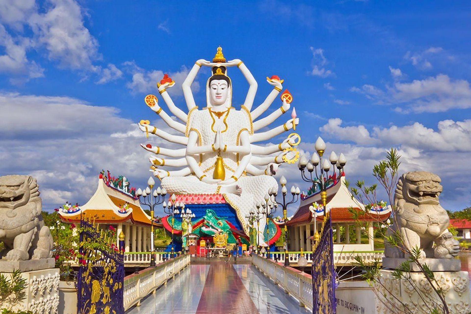 Đền tượng Phật trắng của Trung Quốc tại Wat Phra Laem