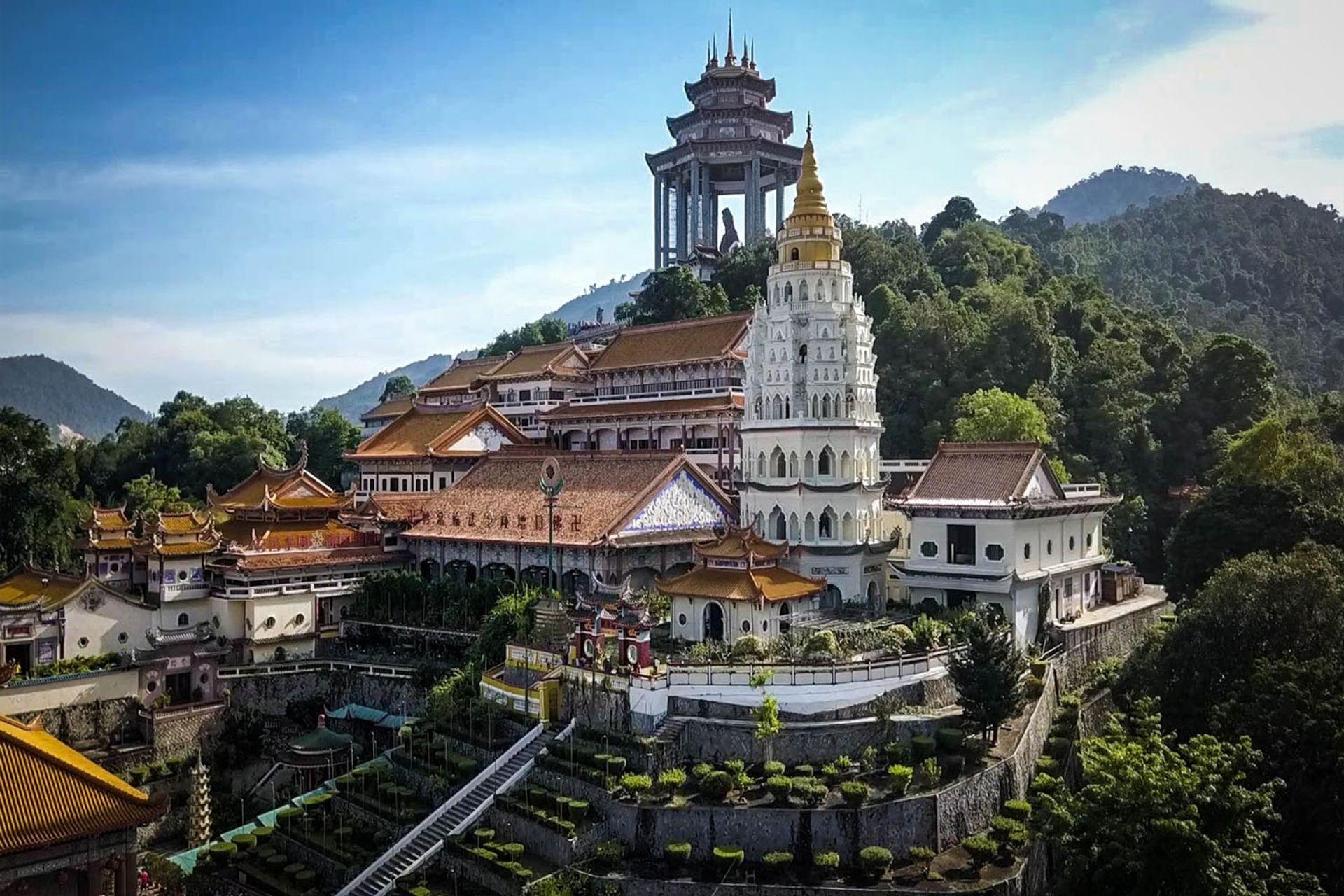 Tham quan chùa Kek Lok Si nổi tiếng và Vườn Quốc gia Penang