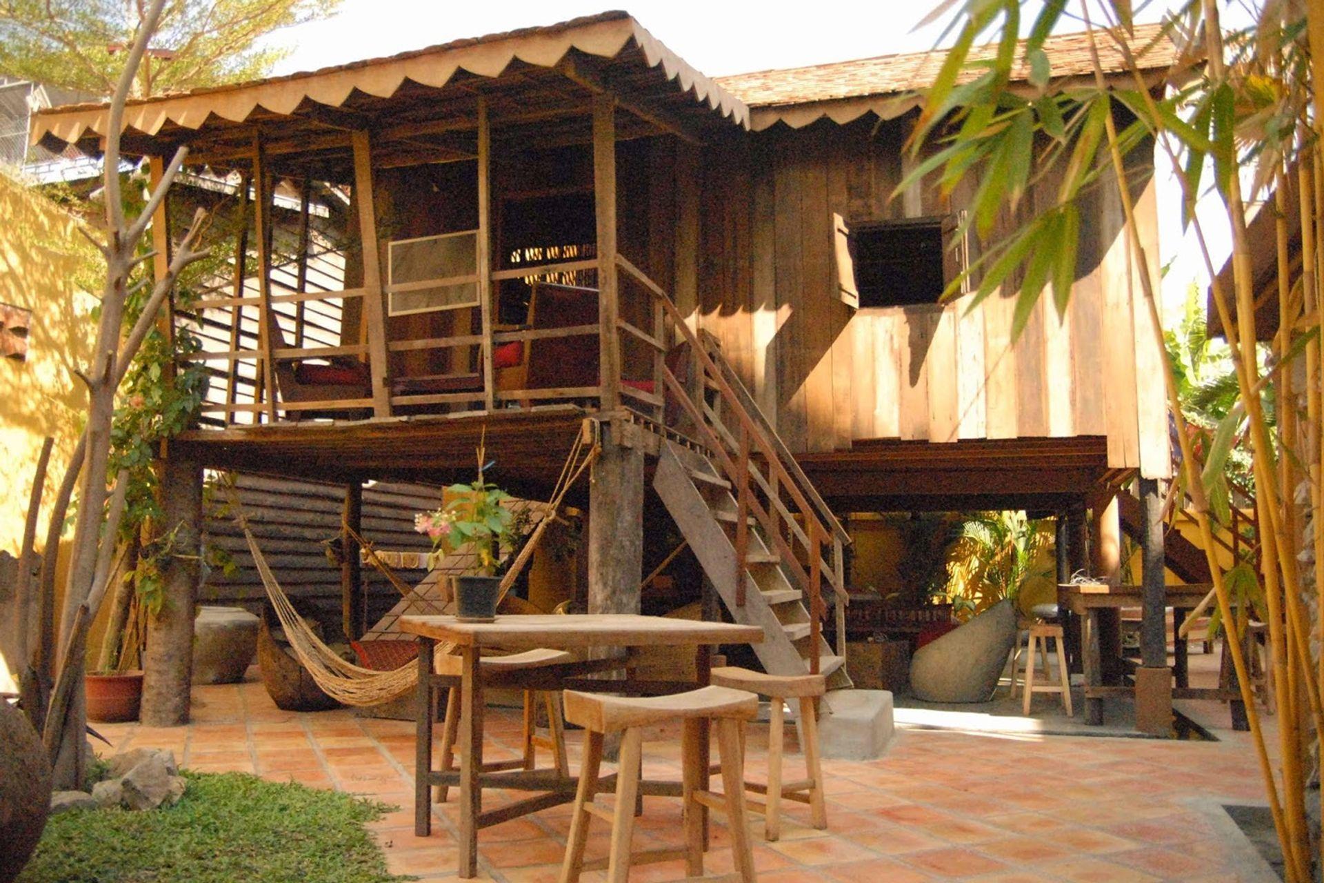 Quán bar Asana - Campuchian House