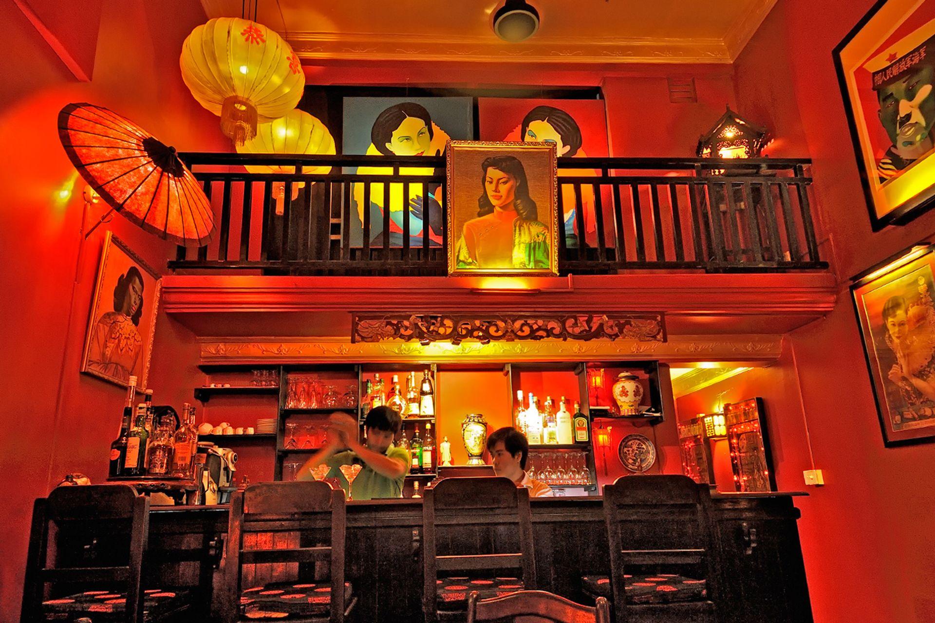 Quán bar Miss Wong