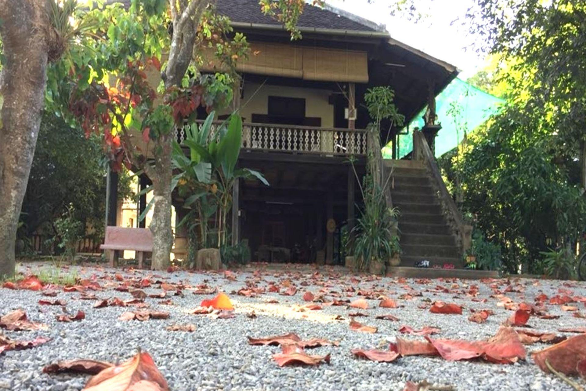 Tham quan ngôi nhà cổ của bà Bun Roeung
