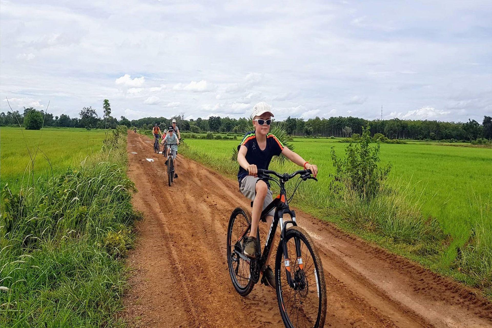 Dạo xe quanh Battambang