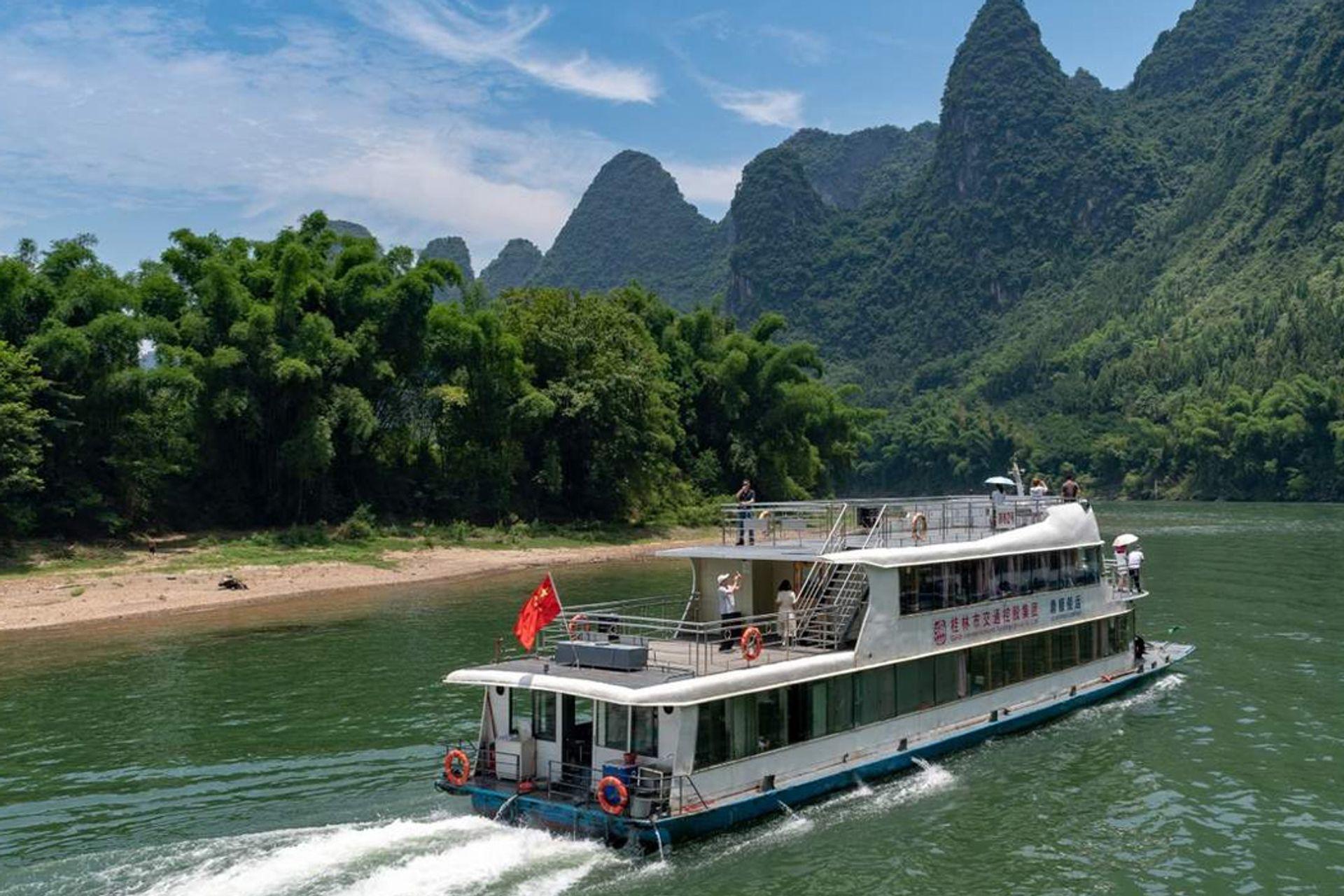 Đi du thuyền trên sông Li